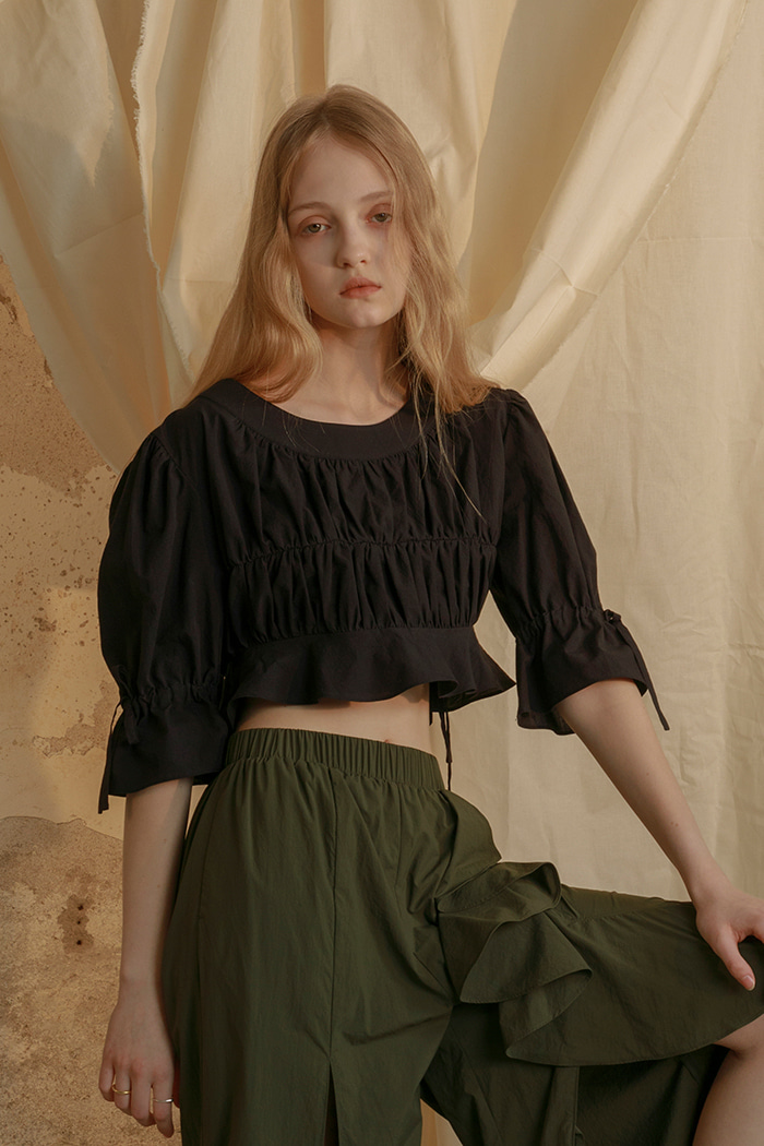 crop shirring blouse (black)