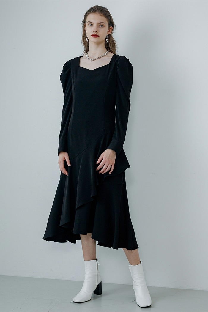 Unbalanced frill dress (black)