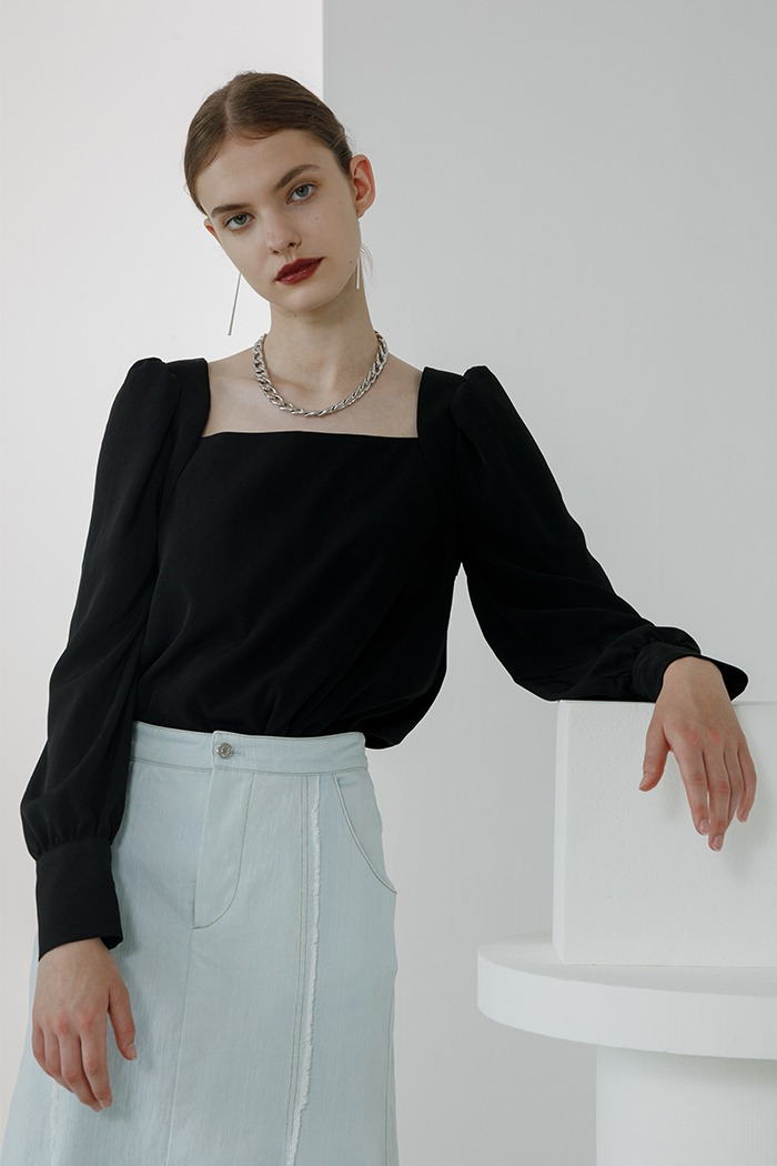 Square neck blouse (black)