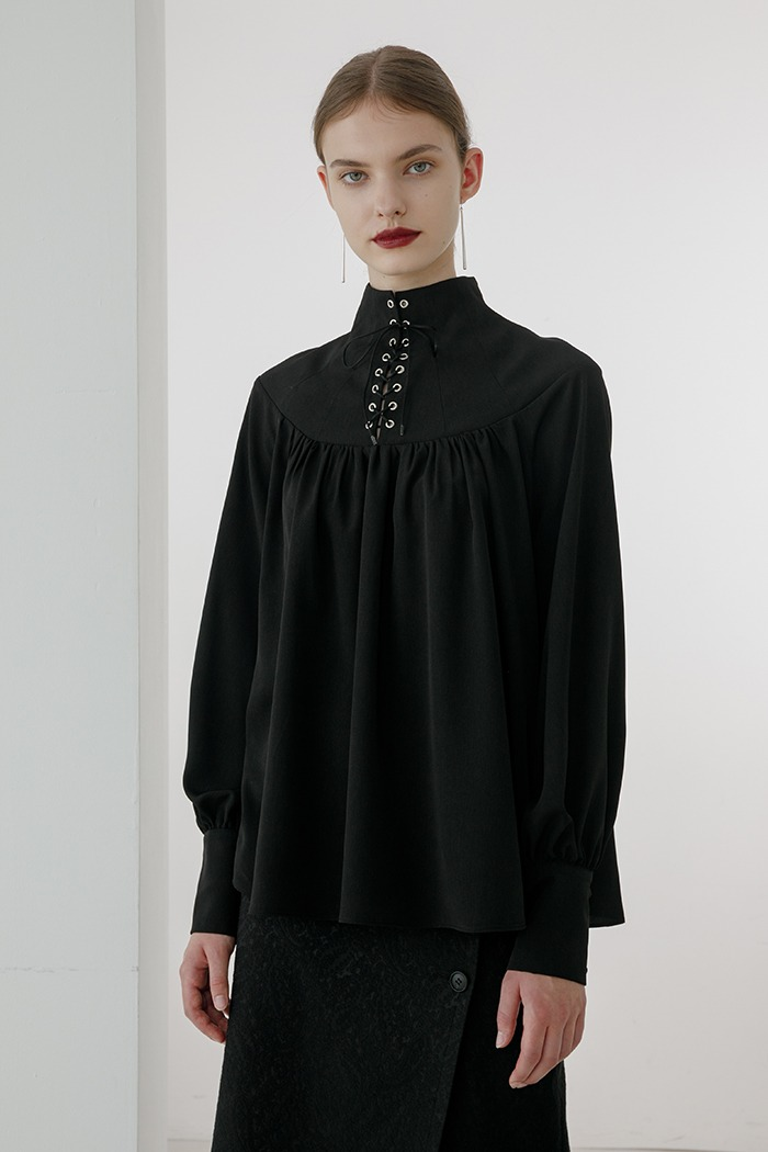 eyelet shirring blouse (black)